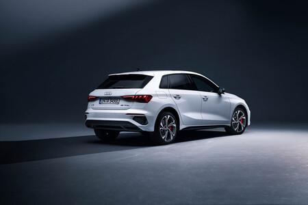 Audi A3 Sportback 45 TFSIe: la versión híbrida enchufable más potente es casi 9.000 euros más cara que el SEAT León eHybrid