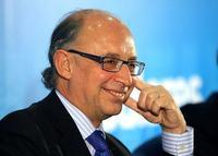 El tijeretazo de 27.300 millones de euros no alcanza para pagar los intereses de la deuda