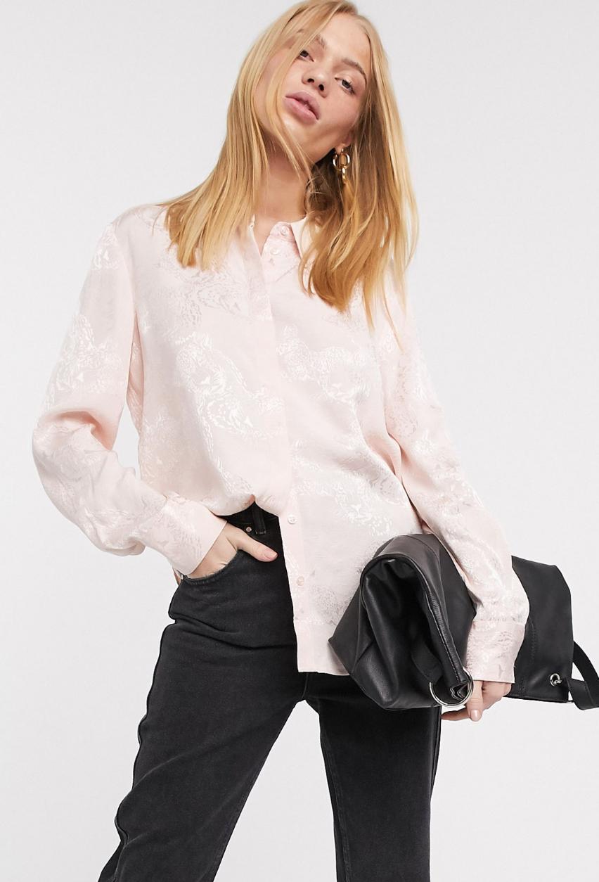 Camisa rosa de jacquard con diseño de cara de felino de & Other Stories