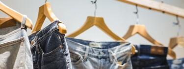 Springfield tiene un 30% de descuento en todos sus pantalones y estos son nuestros jeans favoritos