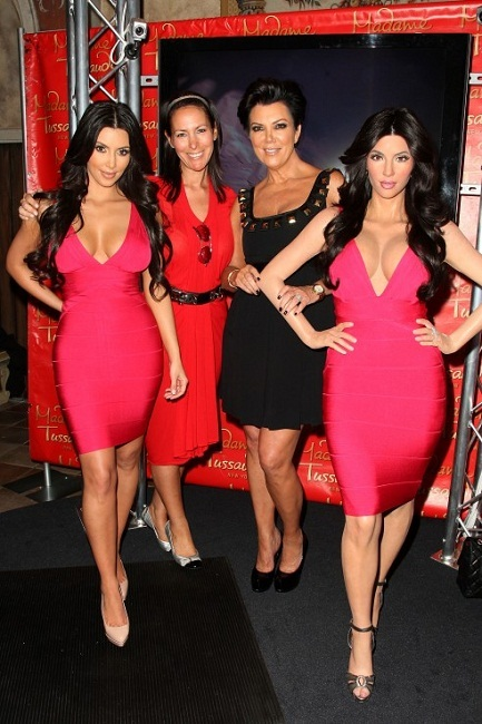 Foto de Kim Kardashian cera (3/5)