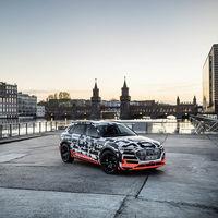 400 km de autonomía real y batería de 95 kWh: estas son las primeras especificaciones confirmadas del Audi e-tron