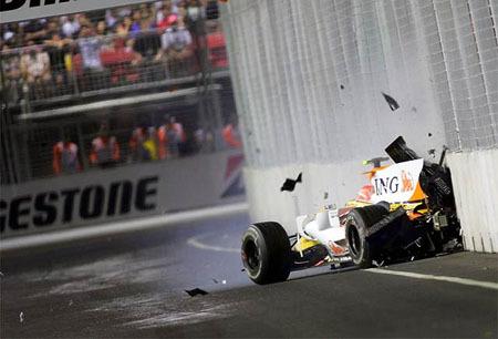 Más leña al accidente de Nelson Piquet en Singapur