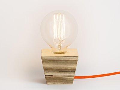 Trae Shop, lámparas fabricadas en madera de manera artesanal