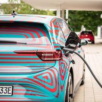 En 2040 se fabricarán más coches eléctricos que de combustión, según un estudio de KPMG