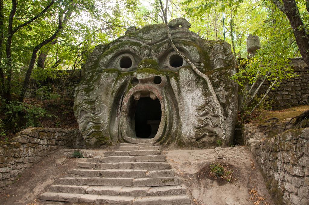 El Parque de los monstruos de Bomarzo en el arte. Vídeos