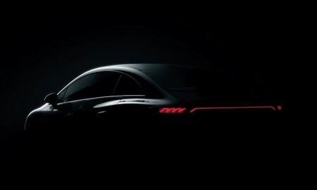 Mercedes-Benz EQE se deja ver por primera vez previo a su lanzamiento mundial