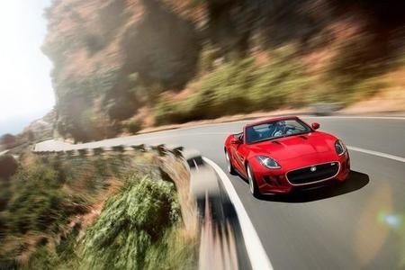 ¿Se está planteando Jaguar ofrecer cajas de cambio manuales?