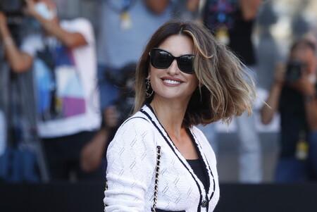 Penélope Cruz deslumbra en el Festival de San Sebastián con dos lookazos y nuevo corte de pelo de lo más rejuvenecedor