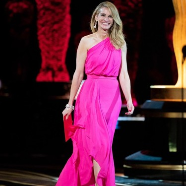 El rosa ha sido el protagonista de las Oscar 2019: 15 vestidos rosa de invitada para esta primavera
