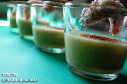 Chupito de calabacín al tandoori masala y brochetas de gambas con tamarindo y coco