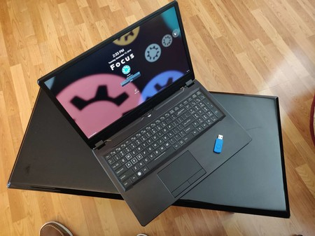 Kubuntu ya tiene su propio ordenador portátil oficial diseñado especialmente para desarrolladores y power users