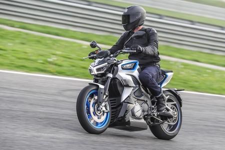 La Kymco RevoNEX se meterá de lleno en las motos eléctricas: 205 km/h de punta, seis marchas y ruido artificial