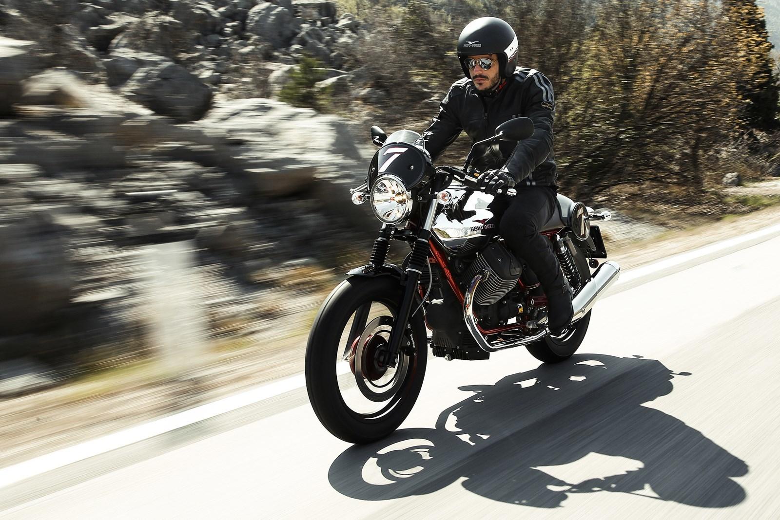 Foto de Moto Guzzi V7 Racer (44/49)