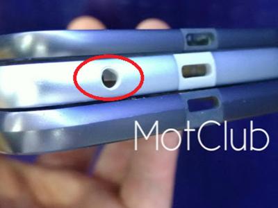 El Moto Z Play posa para la cámara y deja ver un minijack para auriculares