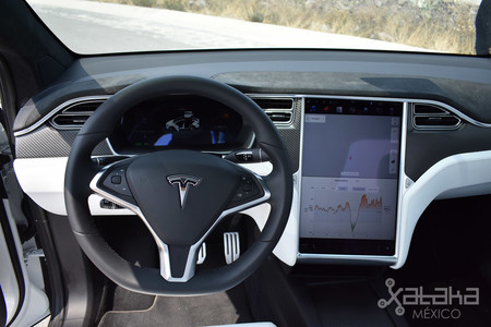 Tesla Model X Mexico 01