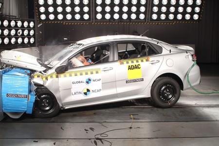 Lo último en Latin NCAP: Dos estrellas para KIA Rio Sedán y una para Fiat Mobi
