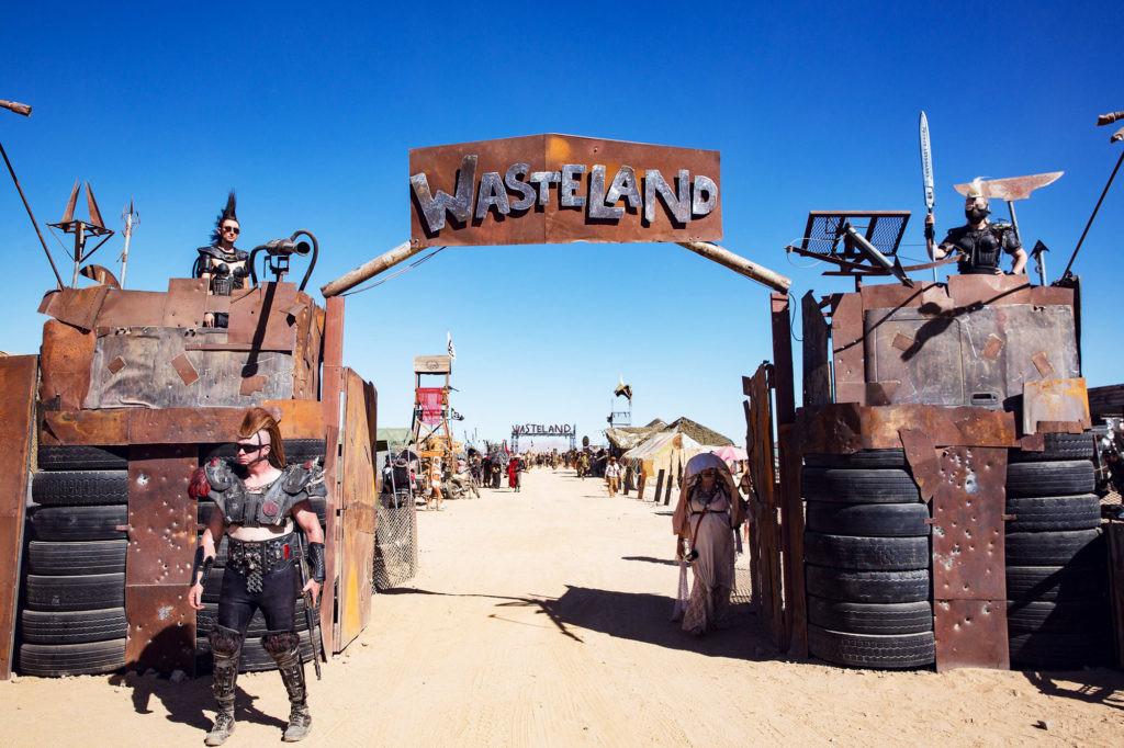 Mad Max: fun in the California sun (Harley Quinn, Gray Fox) [14/04/2019] 1366_2000