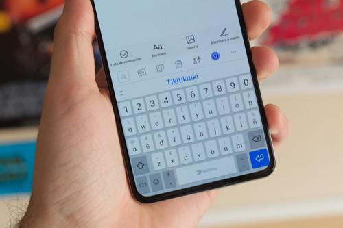 Hablemos tranquilamente de la gente que tiene los soniditos del teclado del móvil activados