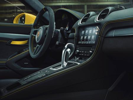Porsche 718 GT4 pdk