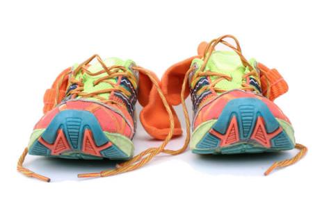 No olvides calzado extra para después de la carrera