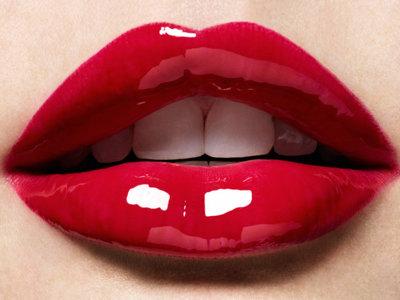 Labios provocativos y más voluminosos con los nuevos 3D Hydra Lipgloss de Kiko