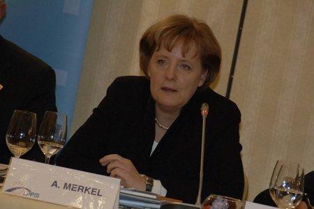 Merkel aprueba el canon por el que Google tendrá que pagar a los Editores por mostrar titulares