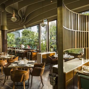 Ambiente sofisticado con un aire europeo para el restaurante Continental en Hong Kong