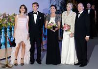 El fantástico look de Carlota Casiraghi en el Baile de la Rosa de Mónaco