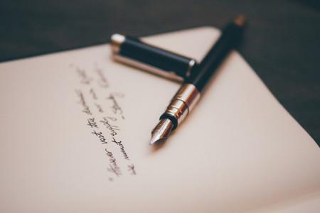 Una escritora con cáncer terminal redacta el perfil online de su marido para buscarle pareja cuando ella no esté