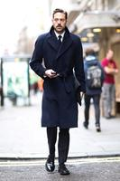 Vuelve el estilo retro del abrigo con cinturón