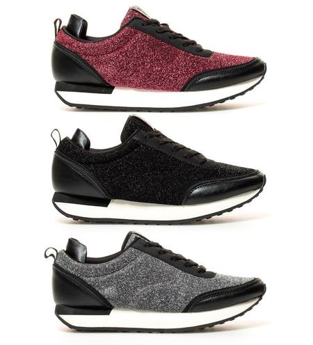 Por sólo 19,99 euros tenemos estas zapatillas Agnes 03 de Chika10 en vino, negro o gris en eBay. Envío gratis