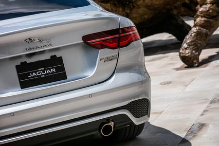 Jaguar Xe 2020 8