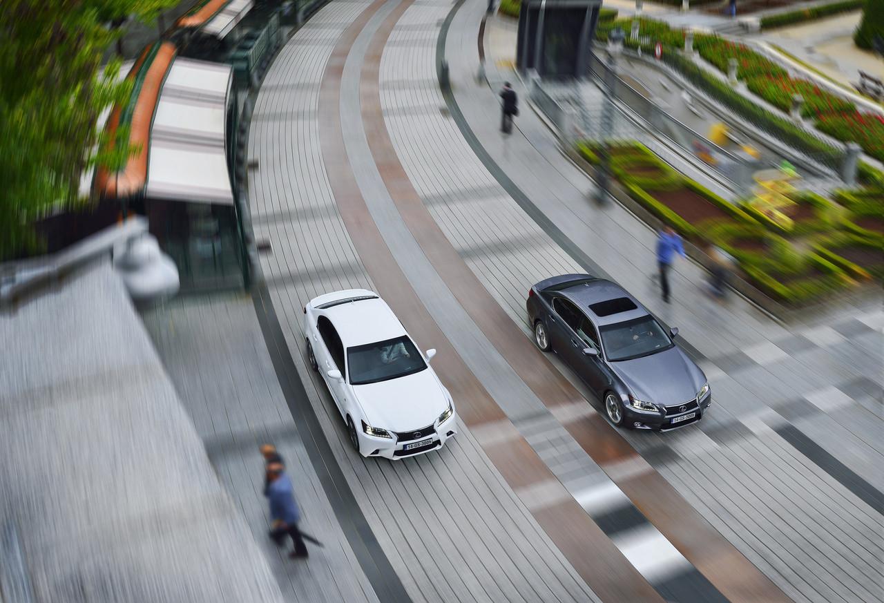 Foto de Lexus GS 300h (17/153)