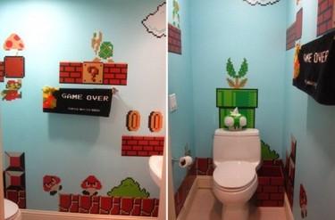 Un baño para fans de Super Mario Bros