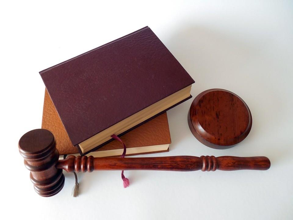 Los jueces son tan incoherentes que incluso se contradicen a sí mismos (aunque menos que la gente normal)