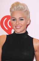 Las celebrities apuntan alto con sus tupés