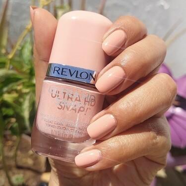 Con este esmalte de uñas con aguacate de Revlon la manicura está lista (y seca) en una pasada