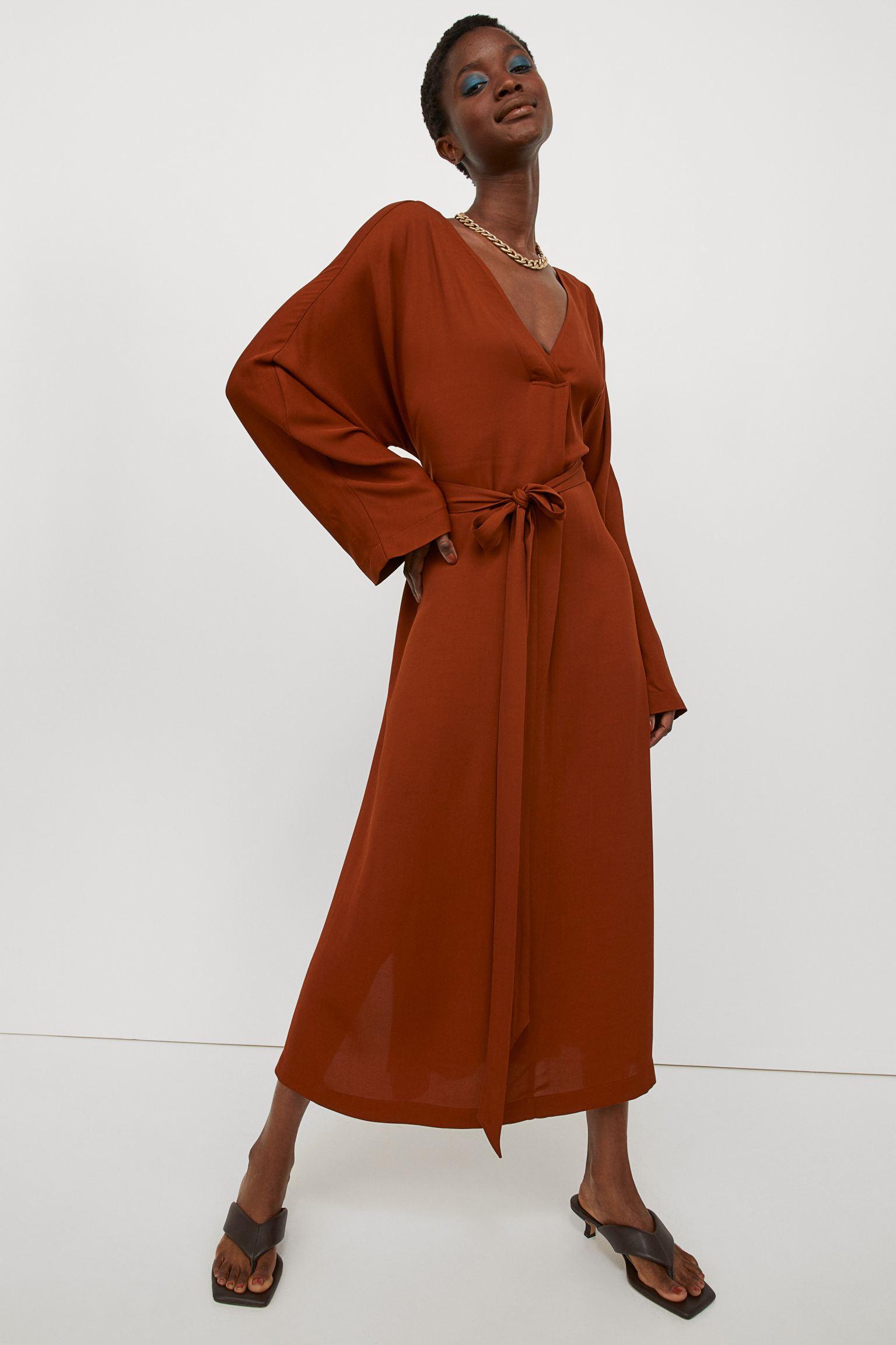Vestido caftán largo con escote de pico y pliegue delante para un toque de amplitud