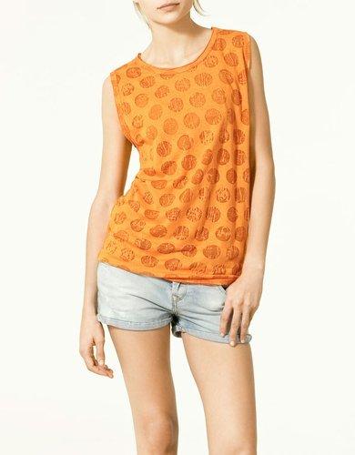 7 camisetas de Zara Trafaluc para comprar en las rebajas de verano 2011