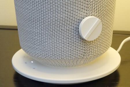 """Logran conocer el audio que sale de un altavoz con """"sólo"""" analizar los destellos del LED de indicación"""