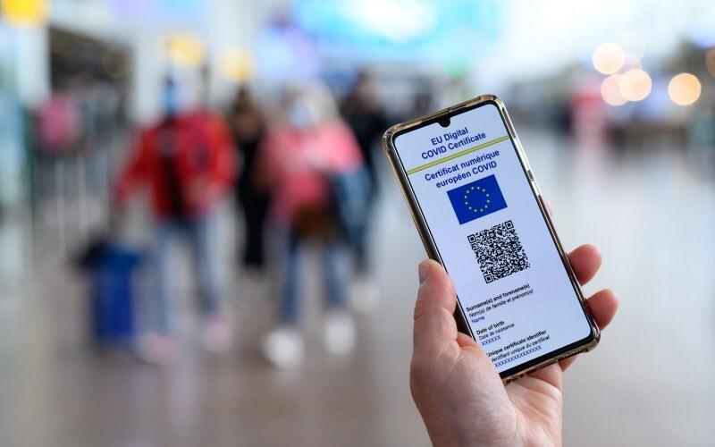 Certificado Covid para entrar en restaurantes, transporte y lugares cerrados: las dudas que genera la siguiente medida digital para adaptarse a la pandemia