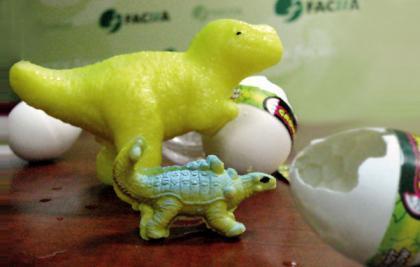 Alertan sobre juguetes que aumentan de tamaño al contacto con el agua