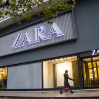 Zara apuesta por las curvas y aumenta su tallaje hasta la XXL