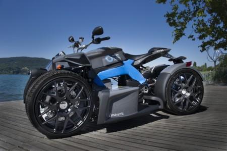 4 ruedas, un manillar y con tanto par como un Porsche 911 Carrera S. Así es el Lazareth e-Wazuma eléctrico
