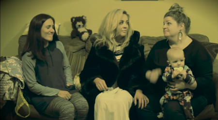 'Hello from the motherside' parodia del vídeo de Adele sobre la realidad de las madres