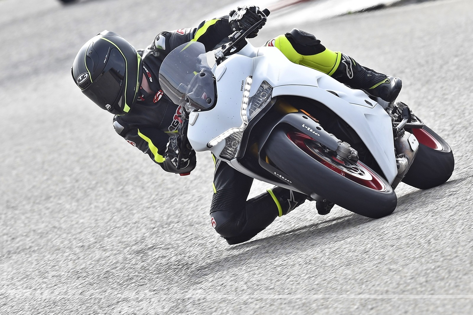 Foto de Ducati Supersport S (15/32)