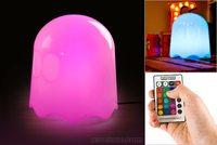Dale color a la noche con esta lámpara fantasma de Pac-Man con control remoto