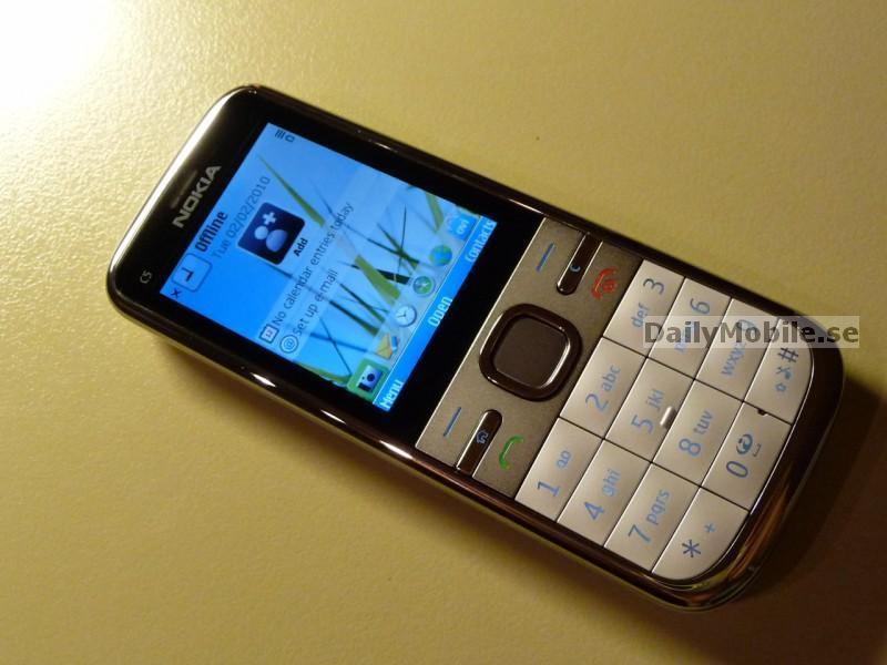 Foto de Nokia C5 (7/10)