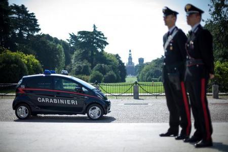 Los Carabinieri comienzan a moverse en Mitsubishi i-MiEV